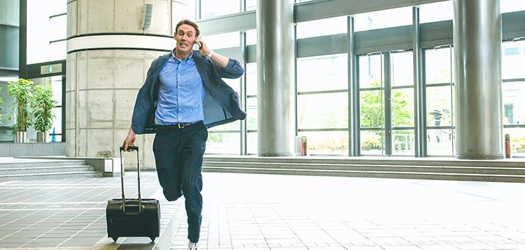 Risultati immagini per running late at the airport